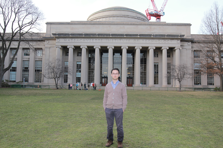 Alex Tang traducteur français chinois